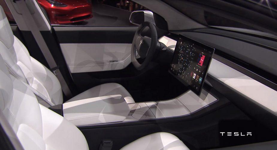 Tesla model 3 revolutionair for Interieur tesla