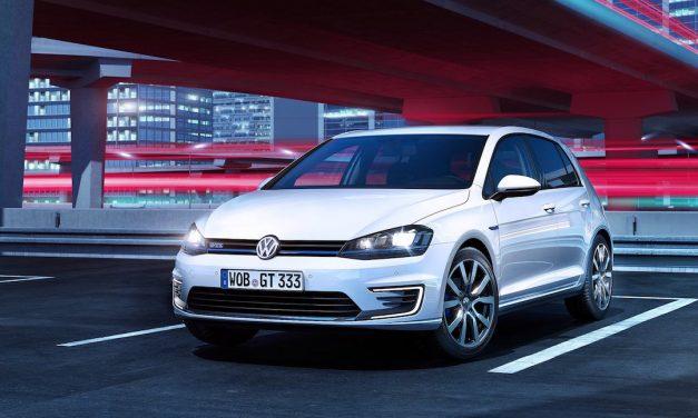 Volkswagen Golf GTE 2017 review