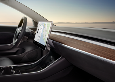 Zijaanzicht Tesla Model 3 interieur