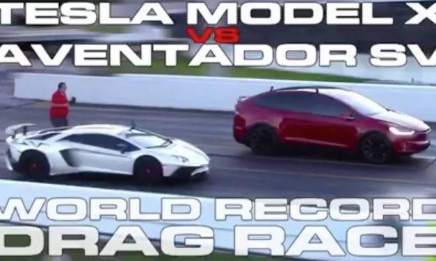 Tesla Model X tegen Lamborghini Aventador in drag race