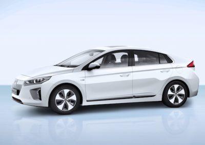 Hyundai IONIQ Electric zijkant