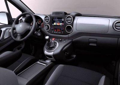 Peugeot Partner Tepee Electric interieur groot