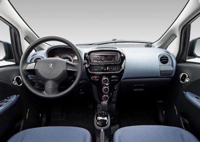 Peugeot iOn interieur