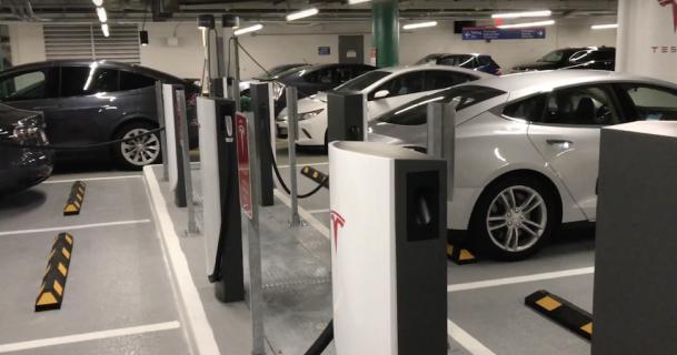 Stads supercharger Tesla