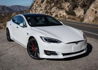Tesla Model S P100D wit