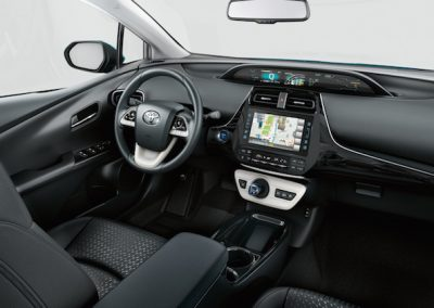 toyota-prius-plug-in-2016-exterior-tme-001-a-full.indd