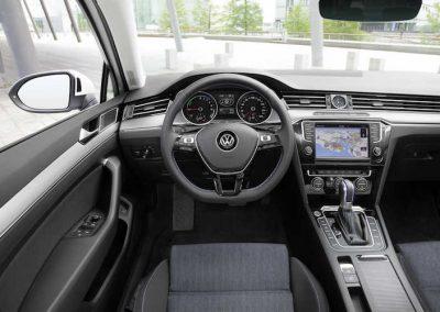 Volkswagen-Passat-GTE-02