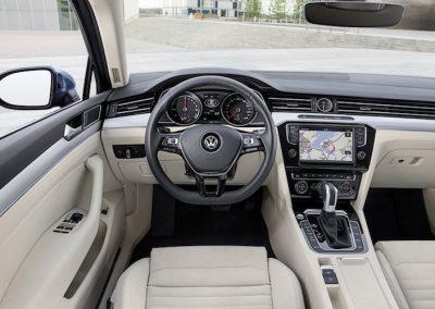 Volkswagen-Passat-GTE-03