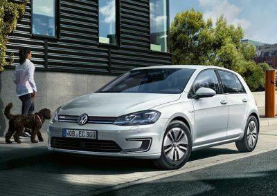 Volkswagen e-Golf geparkeerd