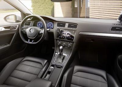 Volkswagen e-Golf interieur-2