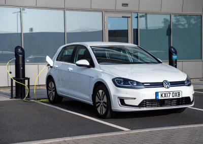 Volkswagen e-Golf laden