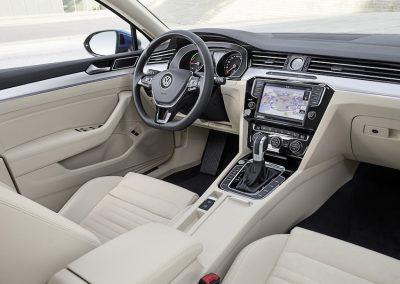 Volkswagen Passat GTE Variant-15